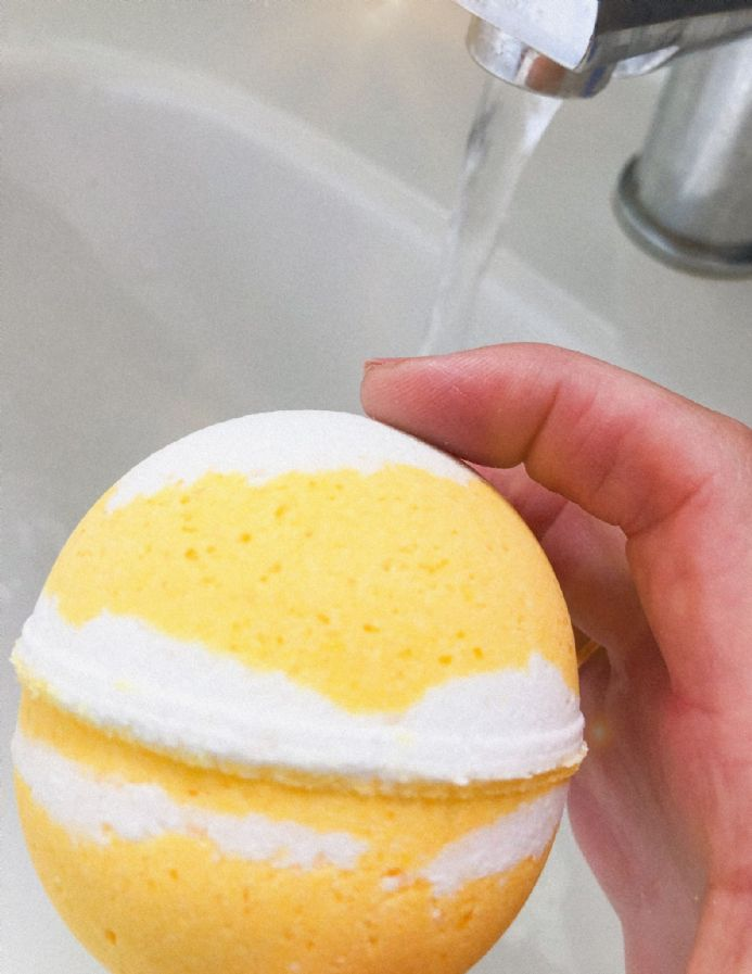 Lemon Meringue  Jumbo Bath Ball